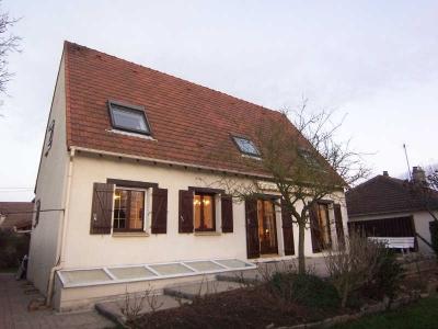 Maison individuele LES CLAYES SOUS BOIS - 7 pieces - 247 m2
