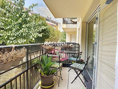 Appartement Fontenay-le-fleury 3 pieces 60 m2