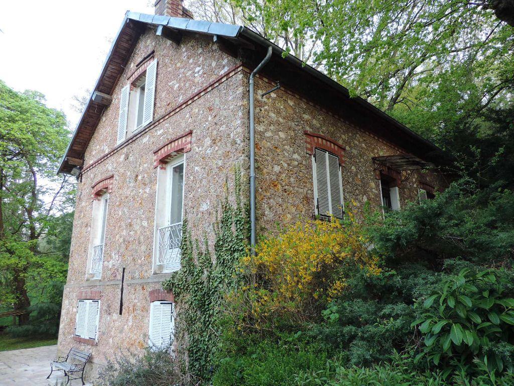 photos n°1 Meulière 1907 sept pièces sur 972 m² terrain