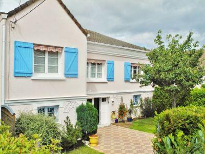 Maison individuelle 6 pieces avec cour et jardin