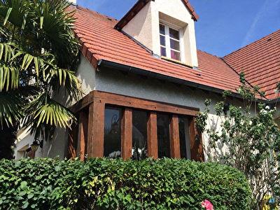Maison 7 pieces aux Les Clayes Sous Bois