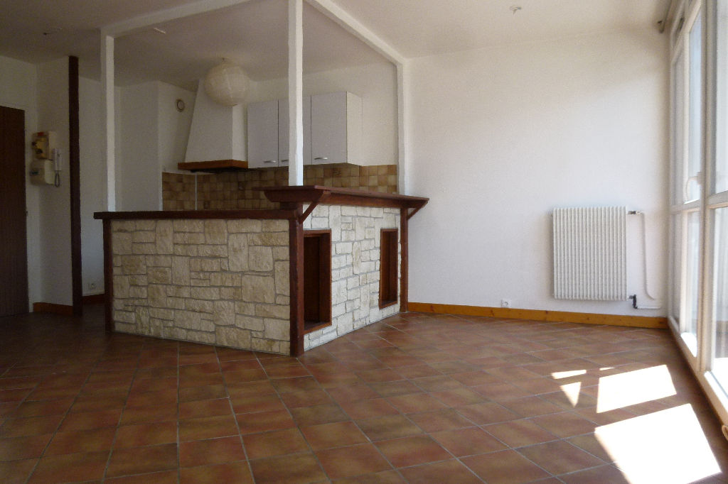 photos n°1 Appartement Plaisir 1 pièce(s) 32.75 m2