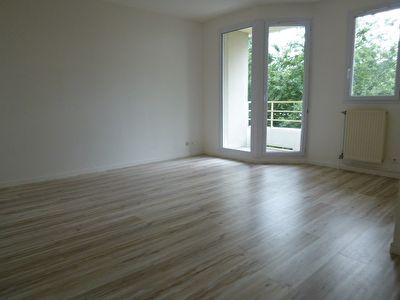 Appartement ELANCOURT - 2 pieces - 37 m2