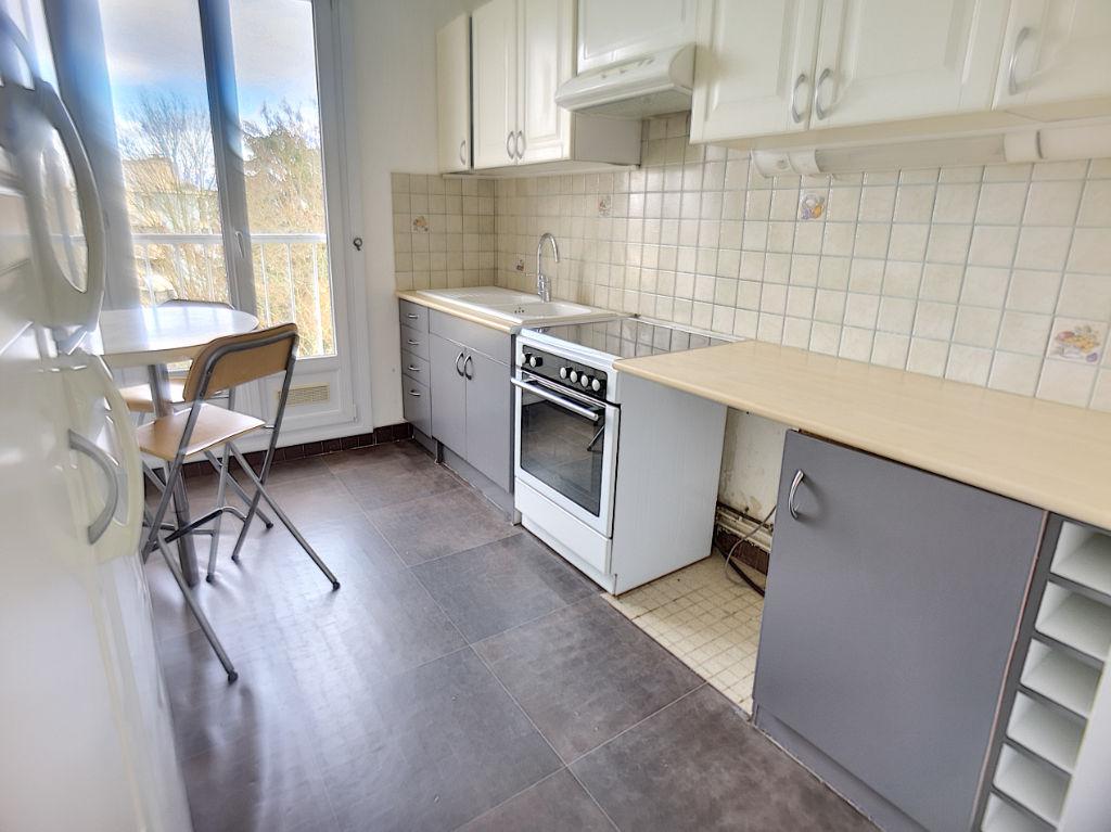 SAINT CYR L ECOLE Appartement  4 pièce(s)