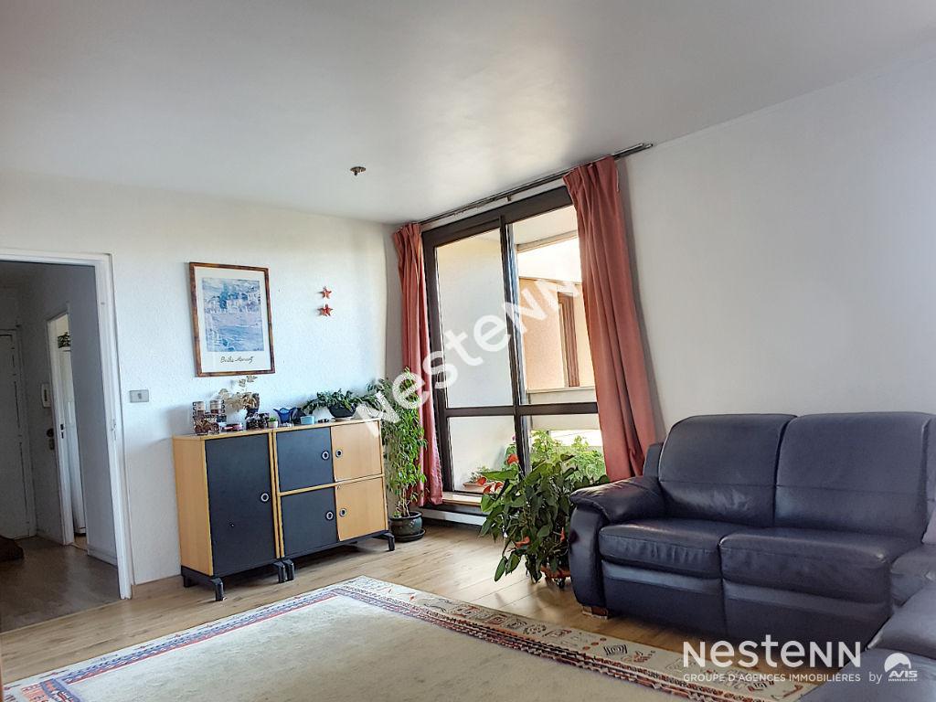 Appartement Elancourt 5 pièces de  97m² en étage.