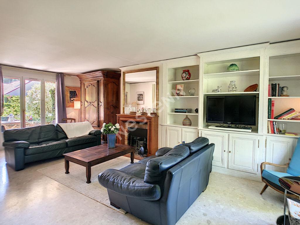 Maison familiale Montigny le Manet