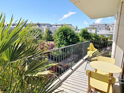 Appartement Saint Cyr L Ecole 3 pieces 62.09 m2 avec une vue degagee.