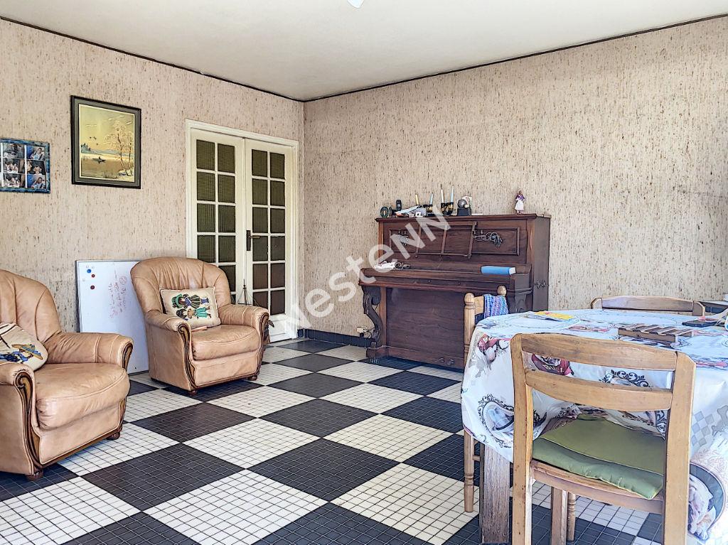 A vendre Maison de Plein Pied 3 Chambres Centre Ville