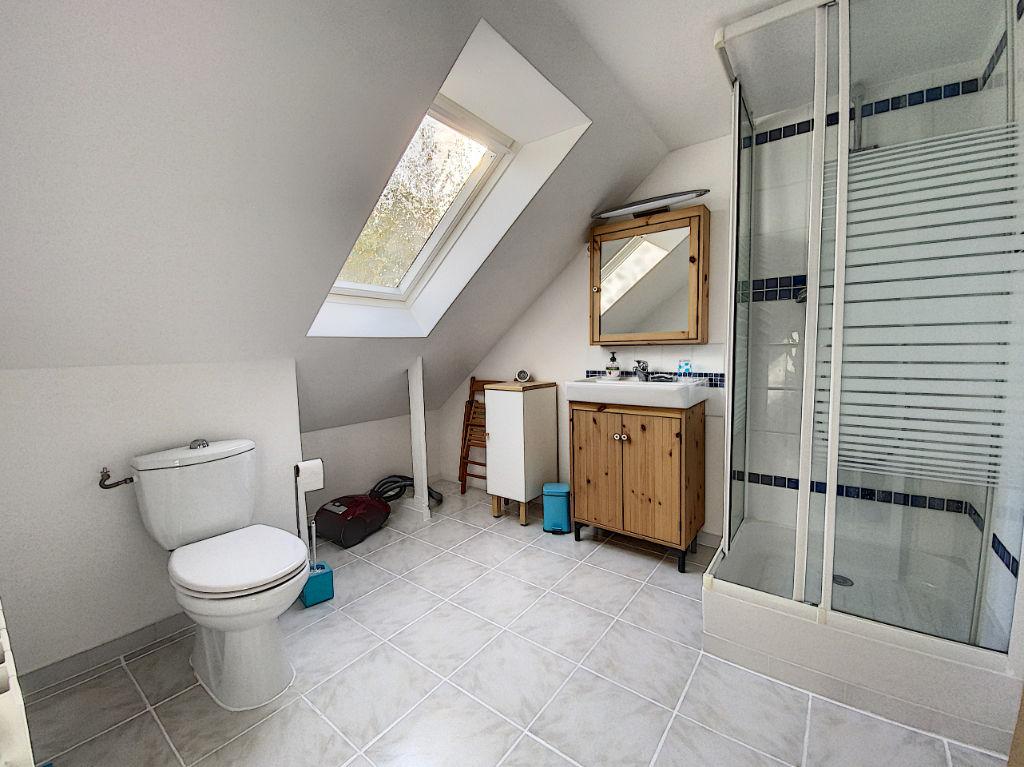 Maison Montigny Le Bretonneux 7 pièce(s)  5 Chambres / 124 m2  carrez - 150m² utiles