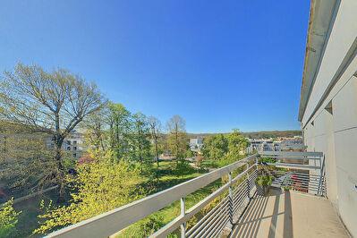 Appartement F2  MEUBLE - St Cyr l'Ecole