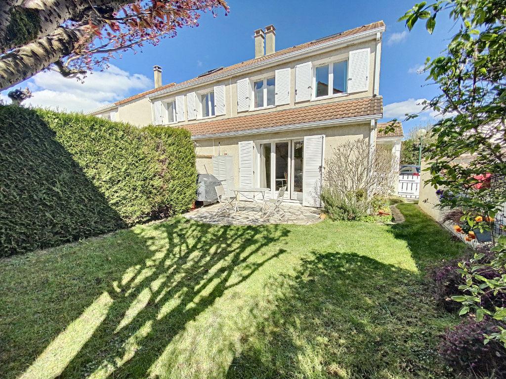 A vendre maison 5 pièces de 88 m² à Plaisir