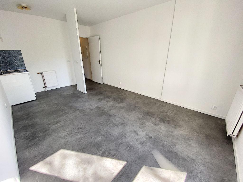 A vendre appartement studio 23 m²  à Plaisir