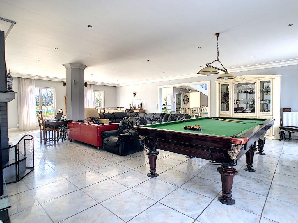 A vendre Maison 390m2, 8 pièces
