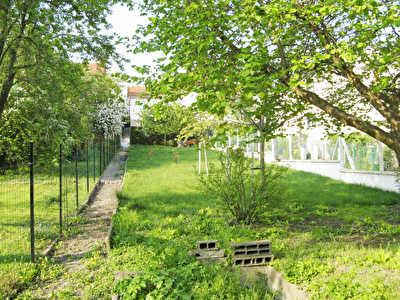 TERRAIN CONSTRUCTIBLE GARCHES - 670 m2