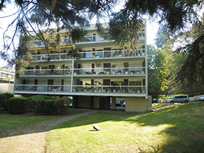 Appartement Ville d'Avray 6 pieces 124.33 m2