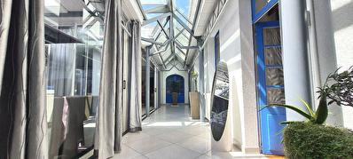 Appartement centre ville Les Sables d'Olonne 187.79 m2 hab garage patio