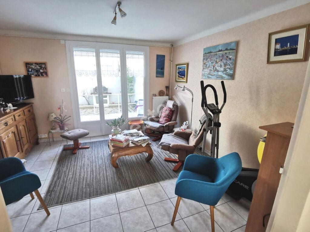 Maison  Les Sables d'Olonne  3 chambres cour  Garage 1,5 km remblai