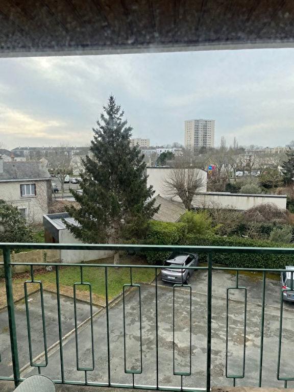 Appartement Type 2 - Balcon cave et parking - Angers La Madeleine