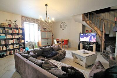 Maison Angers les Banchais de 3 chambres avec jardin pour investisseur