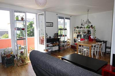 Appartement de type 3 a Angers Est avec balcon et parking