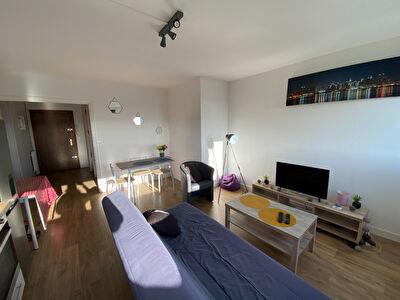 Appartement de type 4 a Angers quartier Larevelliere pour investissement locatif