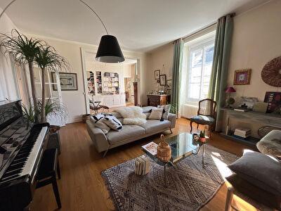Appartement Angers hyper centre de 7 chambres avec garage