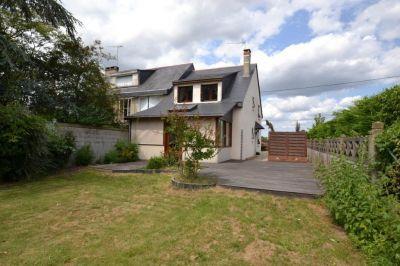 Maison a La Dagueniere proche d'Angers dans village bords de Loire L