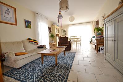 Maison Saint Sylvain D' Anjou 3 Chambres, jardin garage, 3 places de parking !