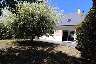 Trelaze Gueriniere Maison 91 m2, 3 chambres, garage et jardin clos