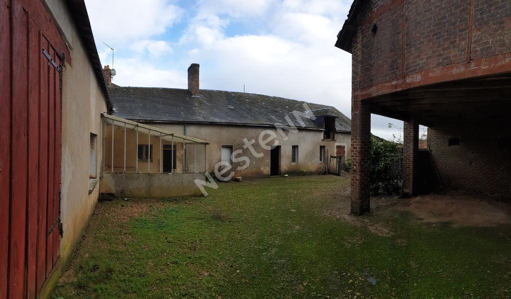 photos n°1 Maison de village à rénover à Pruillé-l'Éguillé (72150)