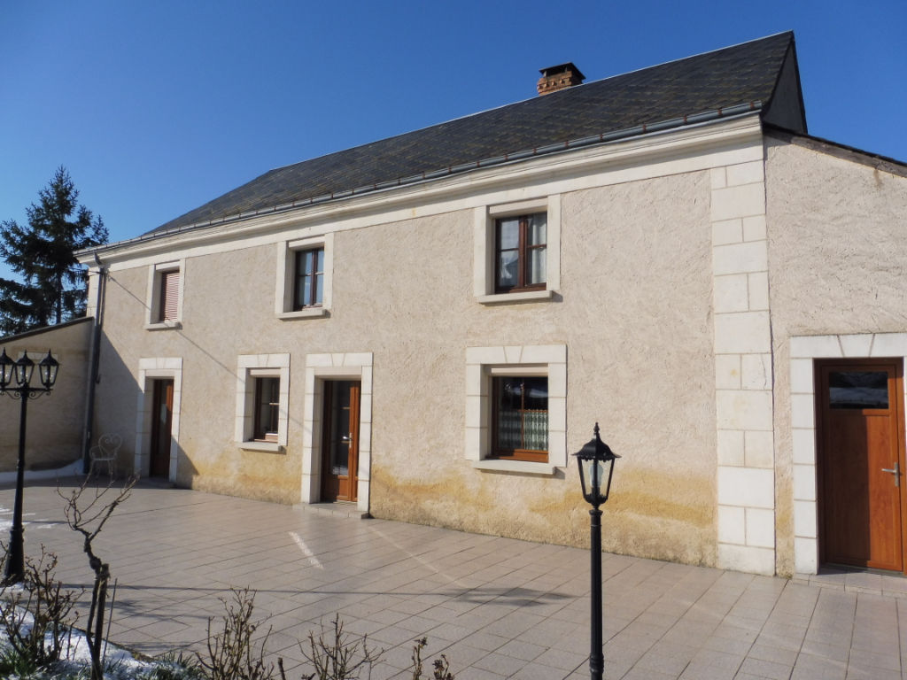 Belle propriété à Montval-Sur-Loir (72500)