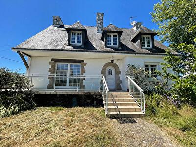 Maison familiale centre ville d'Auray a pieds