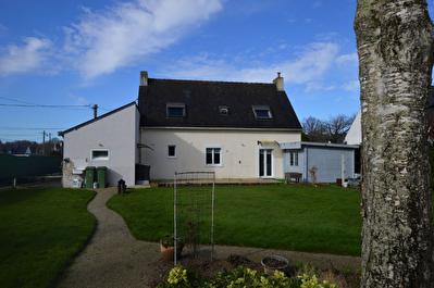 Maison 5 chambres a vendre proche centre Pluvigner