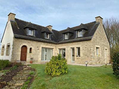 Maison a vendre a Baud centre