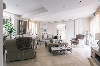 Incroyable maison renovee de 193 m2 avec garage, jardin, piscine - SECTEUR ORLEANS OUEST a 15 min EN VOITURE du centre ville -