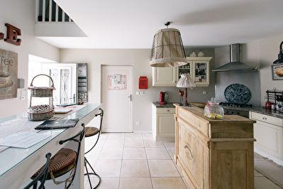 LA CHAPELLE SAINT MESMIN - Cote Campagne ! Maison T6 ancienne avec jardin clos de murs - garage et superbe cave voutee
