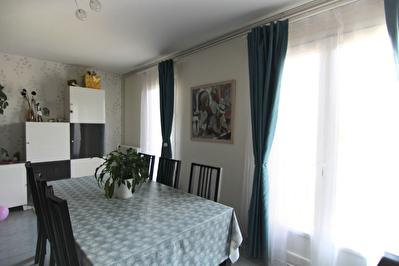 Appartement-Maison 4 pieces 85.20 m2 avec terrasse et double garage