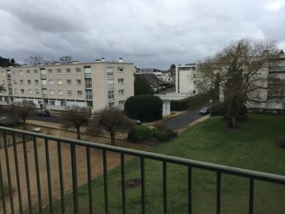 Saint Jean de la Ruelle - Centre Bourg - Appartement T3 Balcon, parking et cave