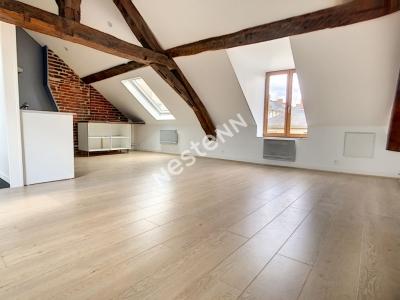 Appartement 3 pieces 66.65m2 au sol (42.75 m2 Carrez) - Orleans DE GAULLE - dernier etage - Lumineux et spacieux  - Proche tram A et B