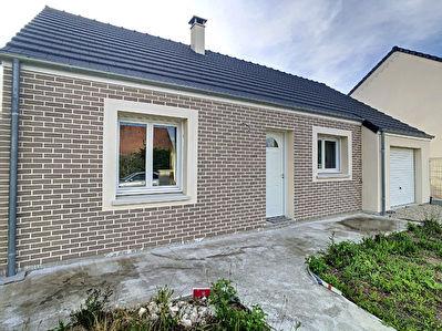 Maison NEUVE (2018) de PLAIN PIED. Saint Jean De La Ruelle . 5 pieces, 3 chambres et jardin.