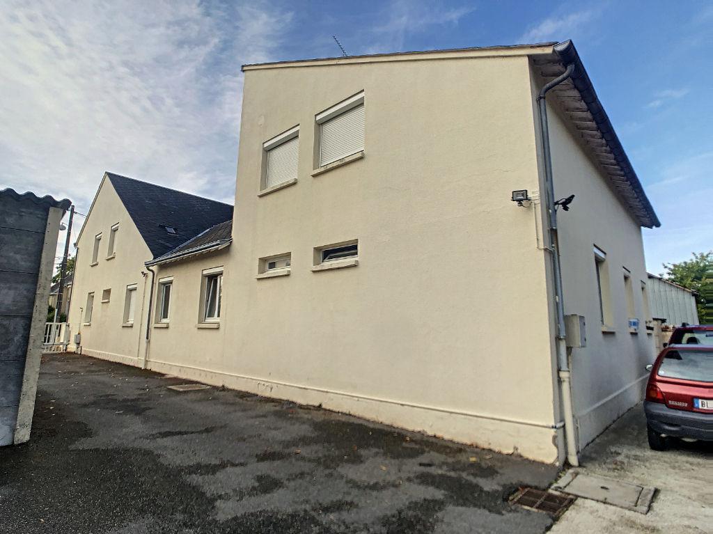 photos n°1 ORLEANS Nord Est - maison - immeuble 5 appartements - garages - 1661 m² terrain