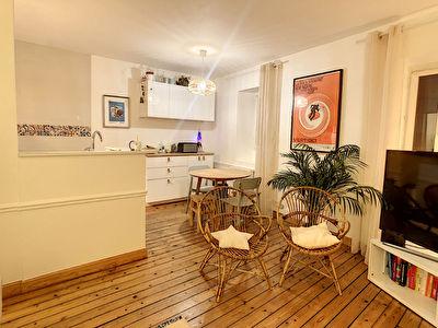 ORLEANS - Rue du Boeuf Saint Paterne / secteur Rue Bannier  - Mediatheque - Superbe  appartement  T2  entierement meuble avec gout