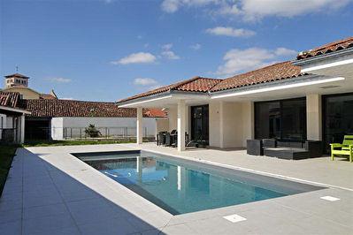 Villa Saint Sever 5 pieces 145 m2