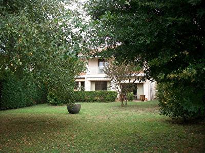 Maison 220 m2 a Dax