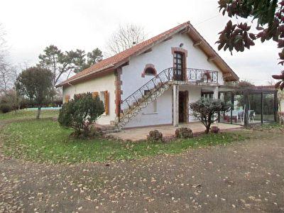 Maison St Pierre Du Mont 4 pieces 100 m2