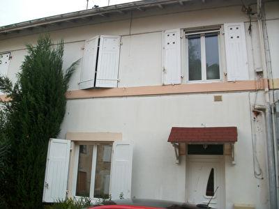 Maison 4 pieces de 90 m2 Saint Paul Les Dax
