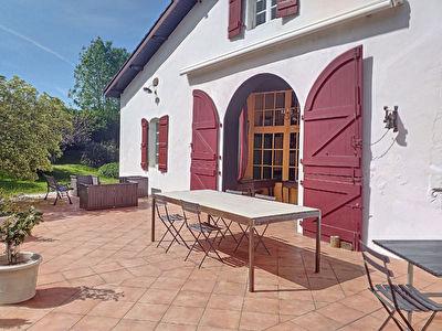 Spacieuse maison de 231 m2 a Cagnotte