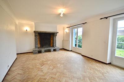 Maison proche Pontonx de7 pieces  de150 m2