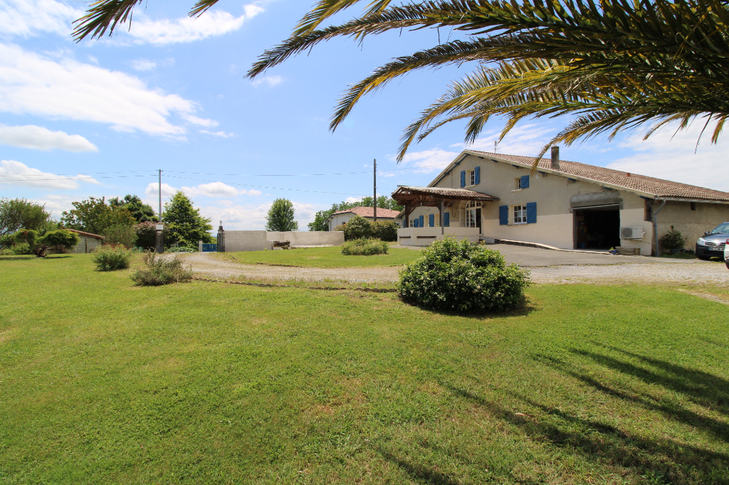 A vendre maison à Habas de 5 chambres - grand garage + comble