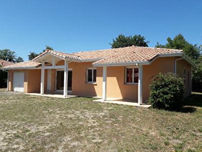 Maison Mont De Marsan 4 chambres 102 m2 jardin SDE + SDB
